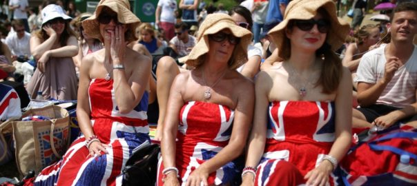 millions-of-british-women-are-suddenly-going-to-get-a-pay-rise-next-year (1)